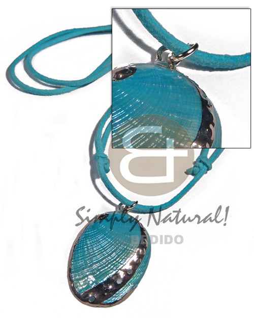 Ethnic glistening turquoise abalone in shell necklace