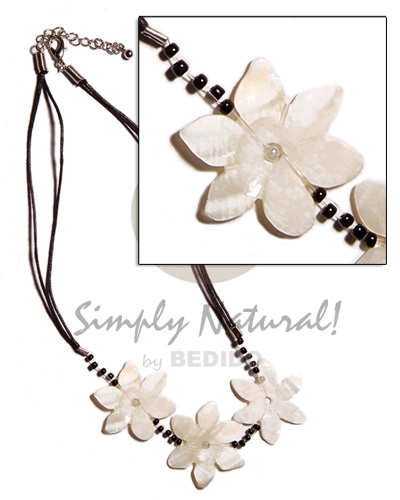 Philippine 3 flower 30mm kabibe shells shell necklace