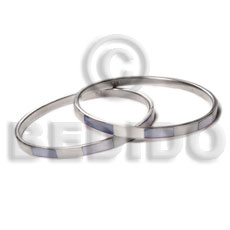 Wholesale laminated hammershell natural white blue alternate shell bangles